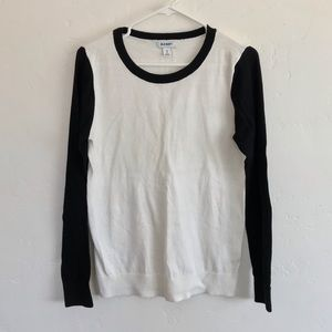 Old Navy White & Black Colorblock Pullover Sweater